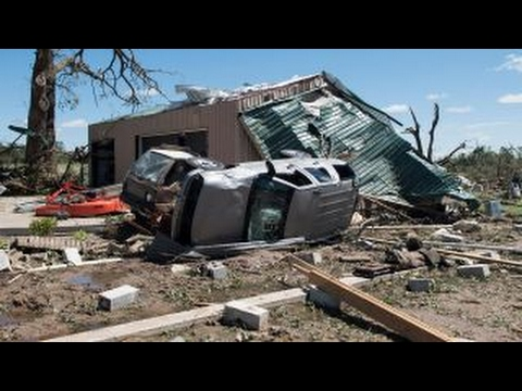Deadly tornadoes leave path of destruction through Texas