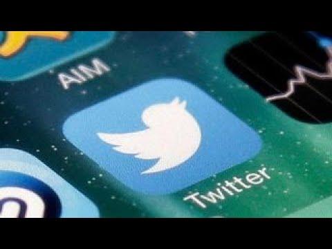 Debating government regulation of social media