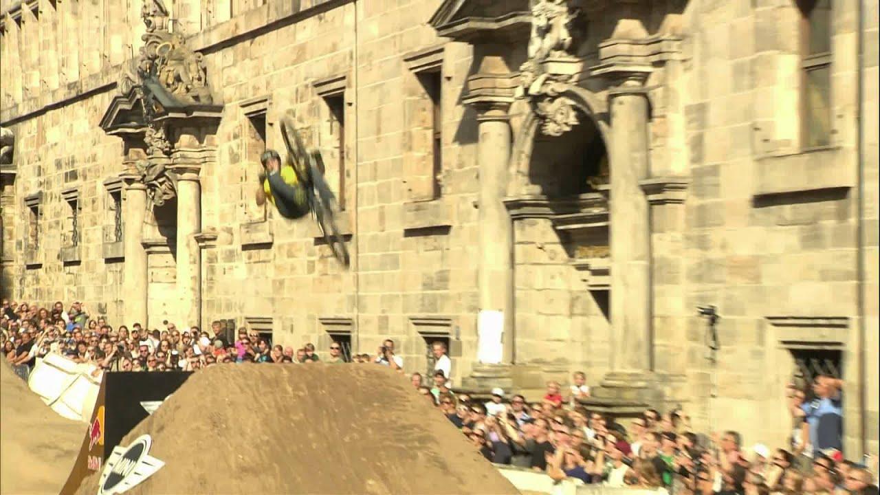 Freeride mountain bike world tour final - Red Bull District Ride ...