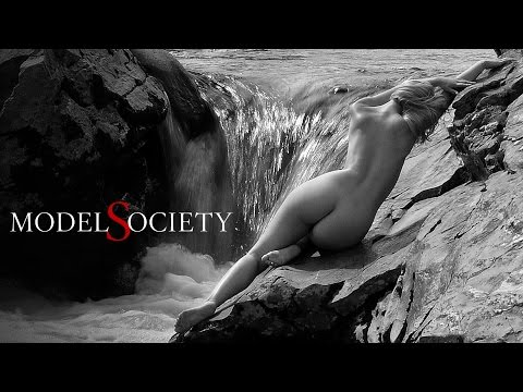 How to see nude models as art. Naked bodies in nature.