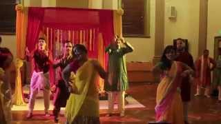 Shadha Murich (White Chilli) Crew Lungi Dance at Bengali Gaye Holud