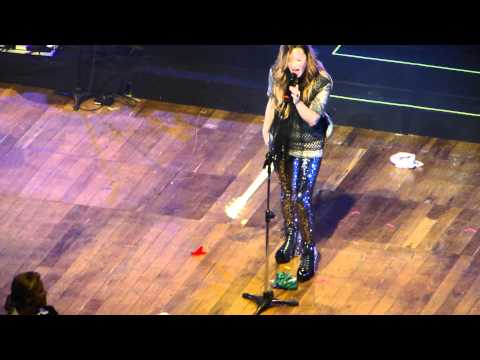 Demi Lovato - La La Land @ São Paulo 20/04/12