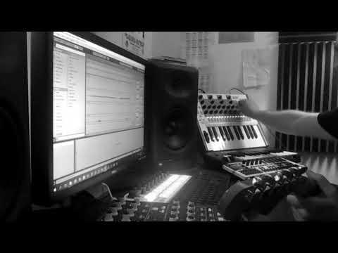 d. a. r. y. l. - synth jam (isla instruments kordbot, arturia beatstep, akai timbre wolf)