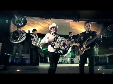 EL WHISKY Y LA LOQUERA - Atrako ft. Remmy Valenzuela [Video Oficial 2013]