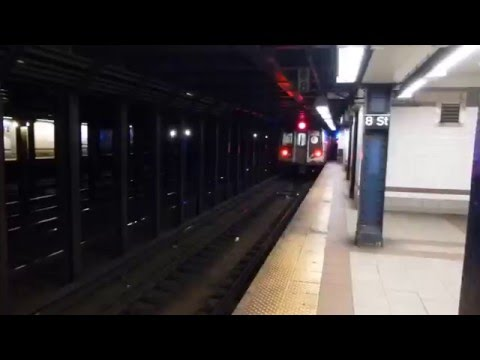 BMT Broadway Line: R160B Siemens N Train at 8th St-New York University (Weekend-42nd St Bound)