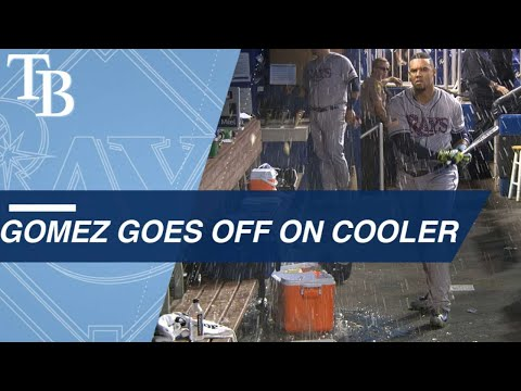Carlos Gomez takes out frustration on water coolers