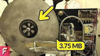This is How The First Hard Disk Drive Looked Like