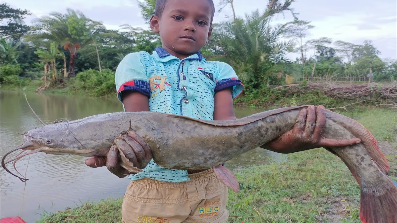 Amazing Boy Catching Big Catfish By Hook - Catching Giant Fish By Hook