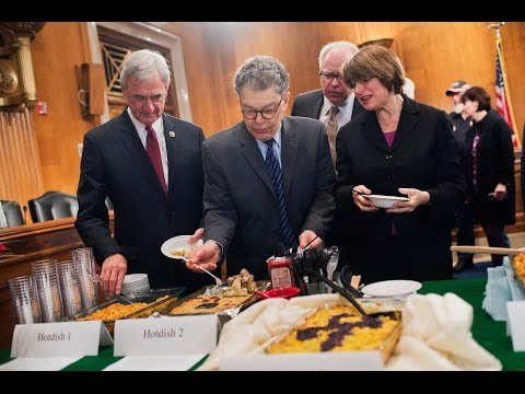 Al Franken Explains the Minnesota Hotdish During Annual Cook-Off