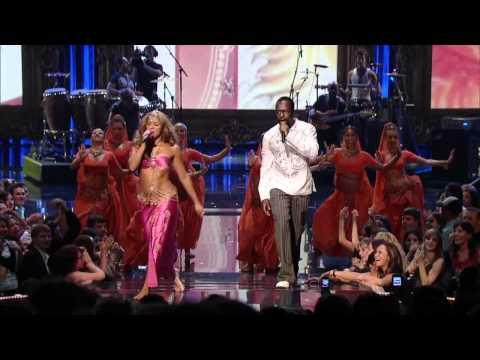 Shakira ft. Wyclef Jean - Hips Don't Lie (Live at 2006 MTV Awards)