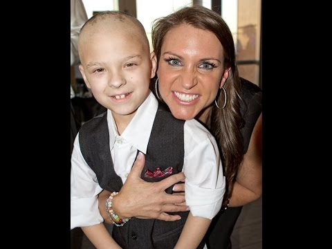 Stephanie McMahon (WWE) Donates to LPCH!  (Daily #221) thumbnail