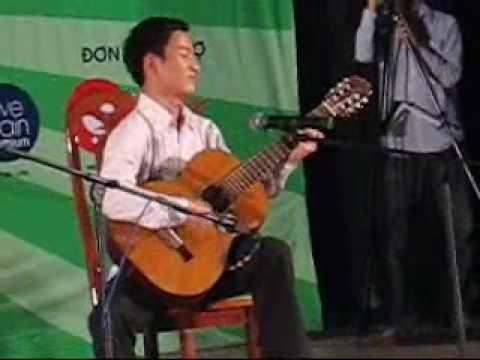 Bai ca tren doi- Giai nhat Guitar co dien SV mo rong Ha Noi nam 2009-SV trong DH Ngoai thuong HN.wmv
