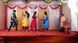 Dance on dhum tana tadhum tana,dupatta tera nau rangda,Desi girl tum hi ho bandhu..
