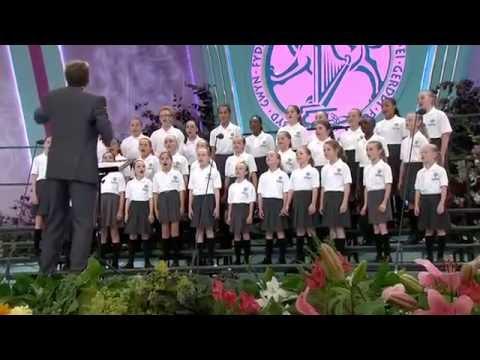 Deansfield Primary School Choir Llangollen tv conv hd