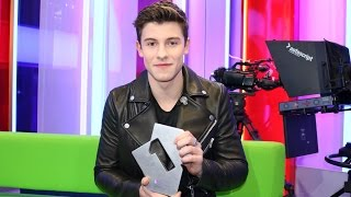 Shawn Mendes celebrates Stitches hitting Number 1 | Official Charts