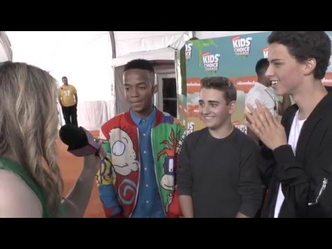 Having fun with the cast of Bella And The Bulldogs at the KCA's