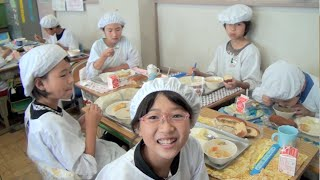 School Lunch in Japan - It's Not Just About Eating!(Get inspired to see how Japanese students operate their lunch period! You can see why