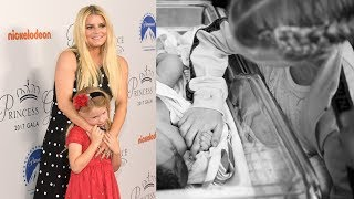 See the First Photos Jessica Simpson Shared of her Newborn Girl thumbnail
