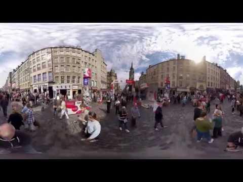 The Royal Mile during the Edinburgh Festival Fringe - 360° Video