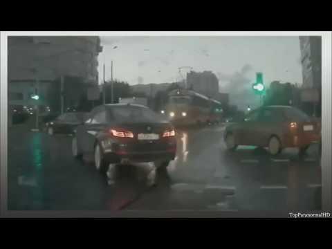 5 Teletransportaciones de Autos Captado en Video