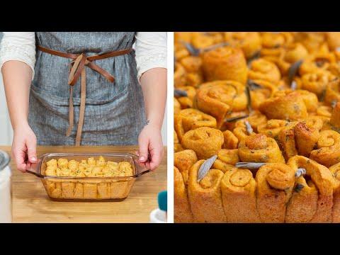Butternut Squash & Sage Pull-Apart Bread