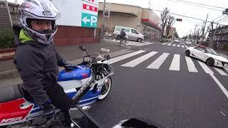 89年式のNSR250Rに乗るおじさん達(^^;