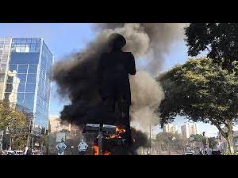 Terrorismo ataca o Brasil: o incêndio do monumento Borba Gato