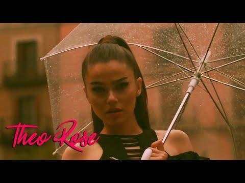 Смотреть клип Theo Rose - De Azi