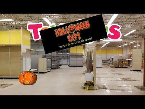 Halloween City inside a Closed Toys R Us - 2018
