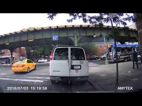 taxi red light Accident Crash Astoria NY 31av 31st