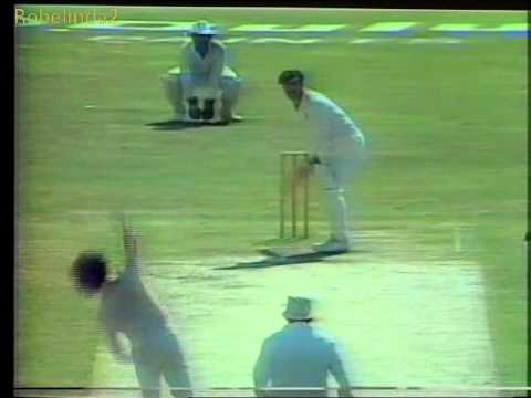 3 crazy Imran Khan deliveries, floors Aussies 1987 World Cup