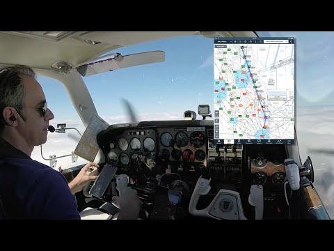 """Flying VLOG """"Electronic Flight Bags"""" Beechcraft Baron with ATC"""