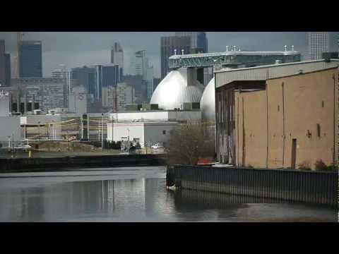 Greenpoint Oil Spill / Newtown Creek Oil Pollution New York City & OPFLEX