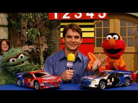 Sesame Street Squirmadega Car Race