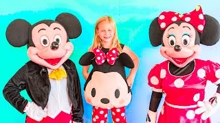 MICKEY MOUSE Assistant Doctor give Mickey Mouse and Minnie Mouse a Make Over Video
