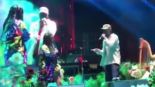 Jhené and Sean on stage