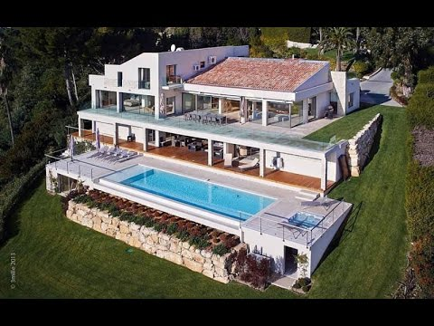 Contemporary House Design  - See Large Ocean While You are Swimming in The Pool