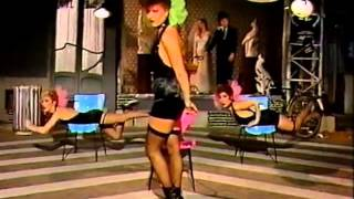 Watch Tracey Ullman Bobbys Girl video