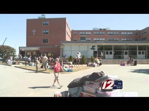 Freshmen Move Into Dorms At Providence College