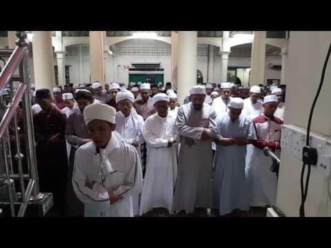 Solat sunat terawih wakaf bru Kelantan imam Abdulsalam dri Kemboja 4/7/2016