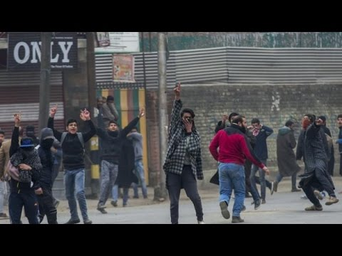 Youth stage protest, clashes with security forces in Kashmir