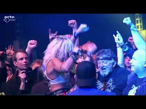 """Barb Wire Dolls - """"Revolution"""" live at Wacken Open Air 2016"""