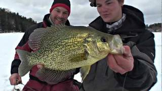 TagTeaming Huge Crappie - Uncut Angling - Dec. 21, 2011