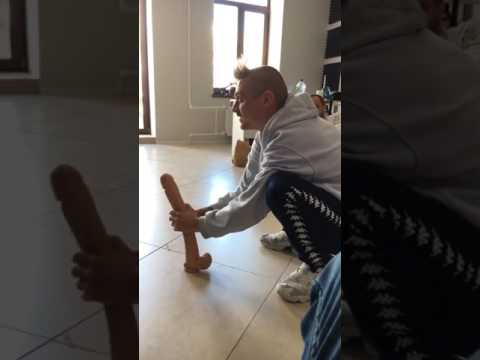 Ильич пранкует членом Дениса-гомосексуалиста (Penis-prank Challenge)
