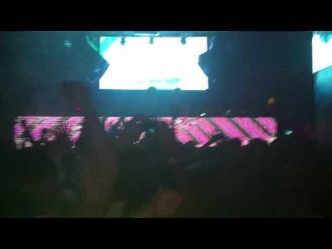 Skrillex - Breakn A Sweat (Zedd Remix) mp3