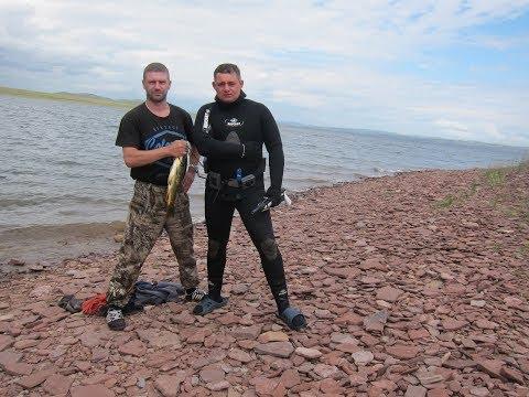 Рыбалка в Хакасии. Подводная охота на Сазана. Подводная съемка.