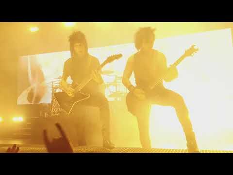 Black Veil Brides - I Am Bulletproof ( Live 2018 )