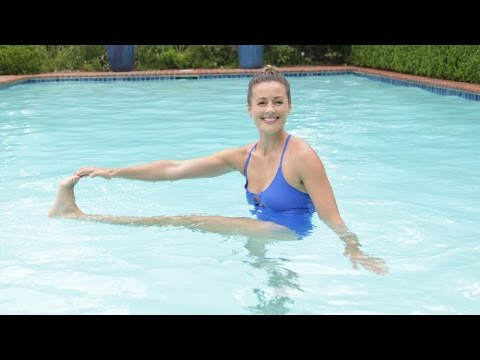 Get Flat Abs With This Pool Workout Class Fitsugar Youtube
