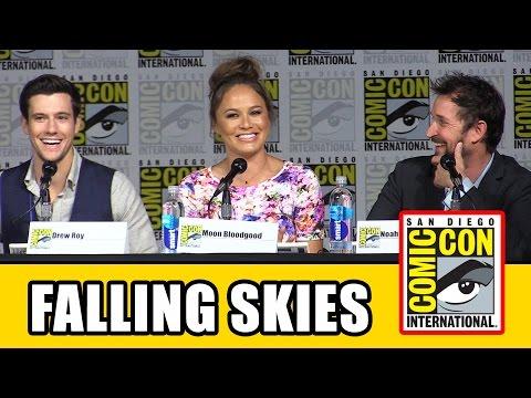 Falling Skies Comic Con 2015 Panel - Connor Jessup, Noah Wyle, Moon Bloodgood, Season 5