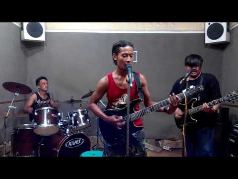 Marjinal - negri ngeri cover by black dot